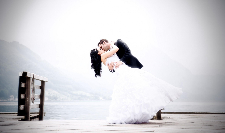Wir waren als Hochzeitsfotografen für Christina und Georg im wunderschönen Salzburg unterwegs. Trotz strömenden Regen ist das Hochzeitsfoto-Shooting nicht ins Wasser gefallen. Einen kleinen Auszug können Sie hier einsehen.